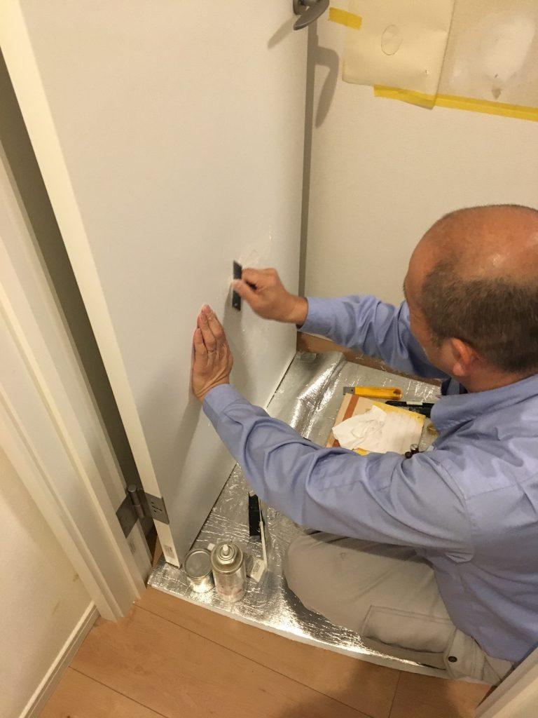 ドアの穴補修/リペア中3