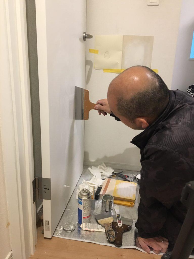 ドアの穴補修/リペア中6